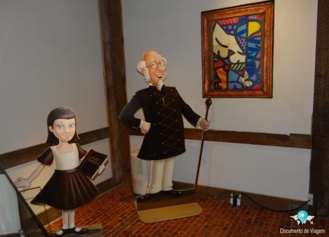Vovô Sr. Suisse e sua netinha Avelã