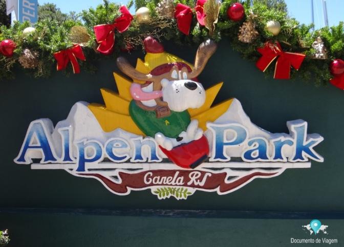 Montanha-Russa e outras atrações no Alpen Park em Canela