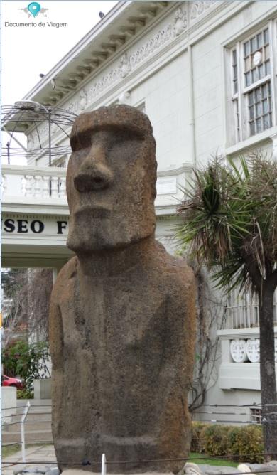 """Museu Francisco Fonck - escultura """"Moai"""""""