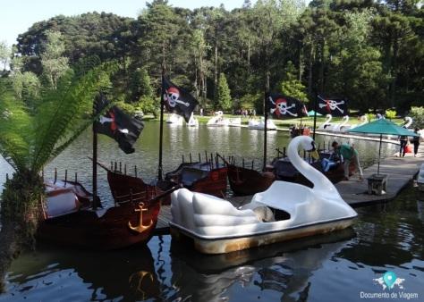 Pedalinho do Pirata no Lago Negro em Gramado
